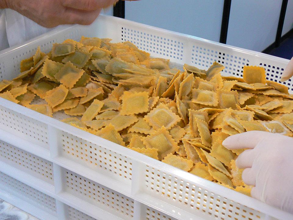 Al Pastaria Festival 2018 prove di produzione di pasta fresca nel laboratorio del Molino Grassi