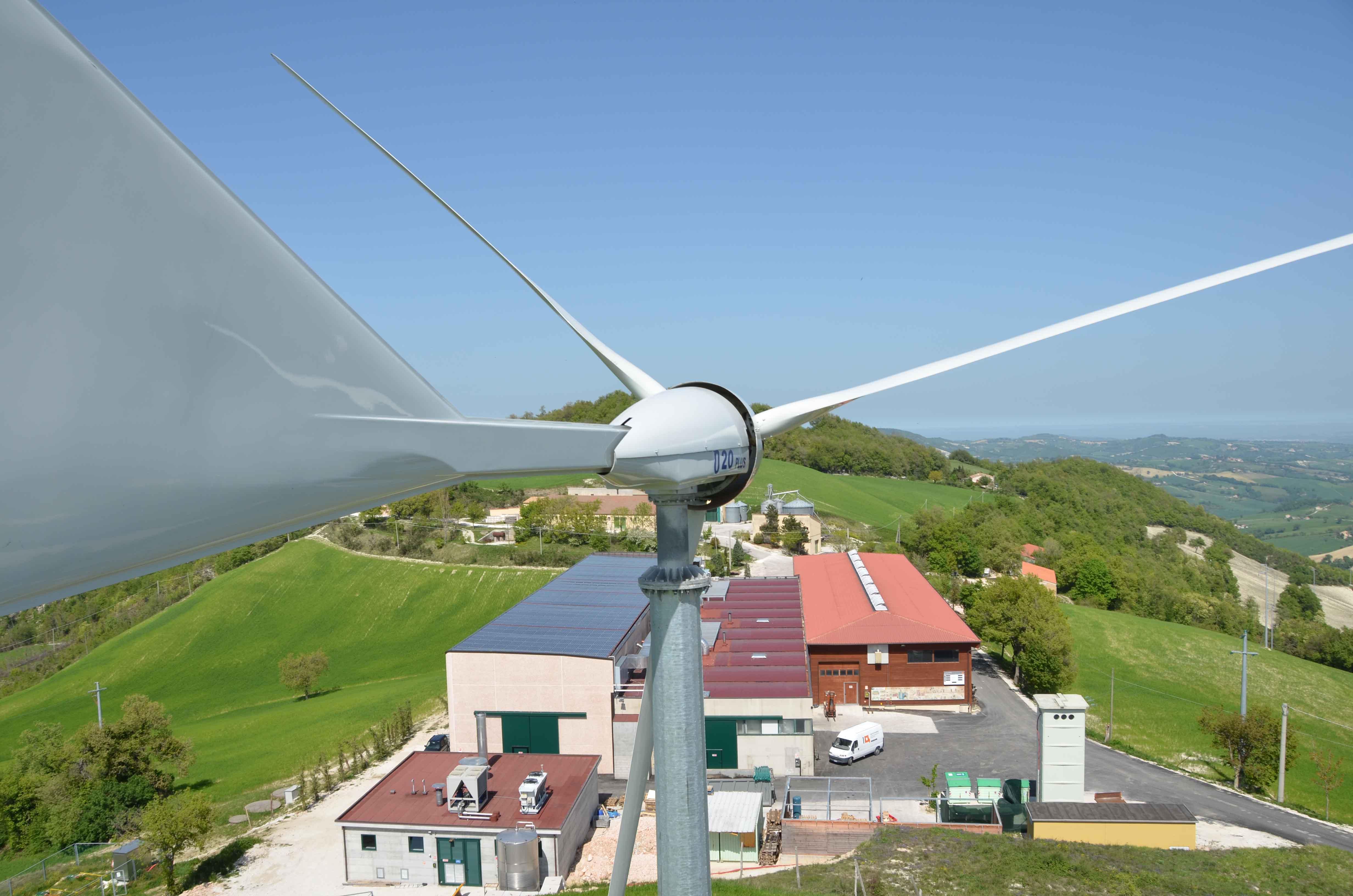 GIROLOMONI GREEN: SOLO ENERGIE RINNOVABILI PER AIUTARE L'AMBIENTE